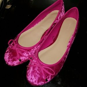 Like New, Forever 21 Hot Pink Velvet ballet flats